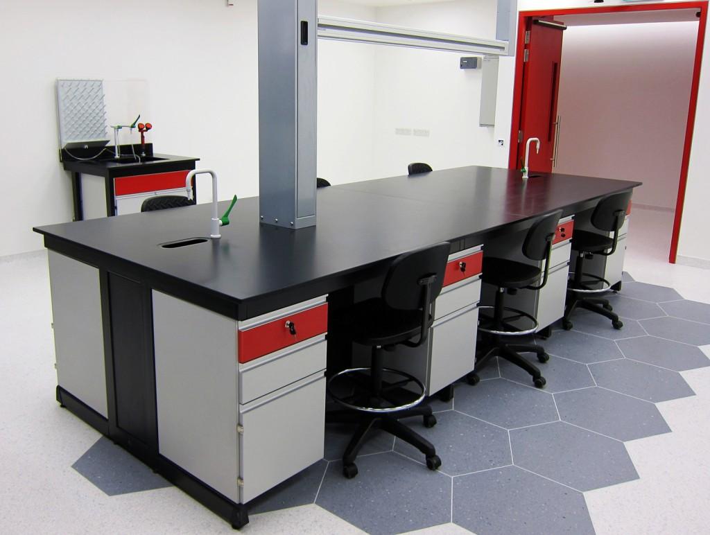 pacific vinitex modular laboratory furniture systems |